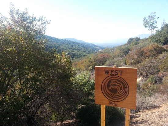 Meditation Mount : hiking path