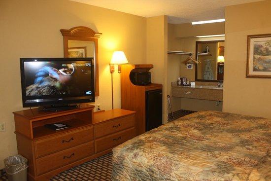 Best Western Bradford Inn: Huge Flat Screen