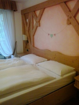 Hotel Ambiez Family & Wellness: letto