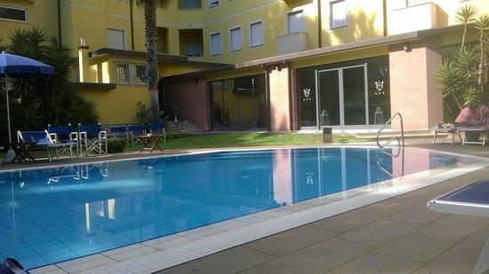 Hotel Venezia: Piscina
