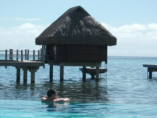 Manava Beach Resort & Spa - Moorea: palhota