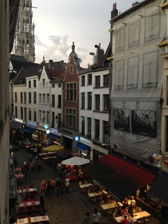 Hotel Mozart: View from our hotel room window!