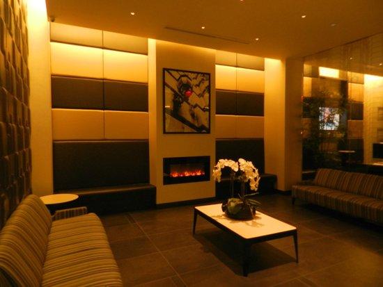 La Quinta Inn & Suites Manhattan: LOBBY