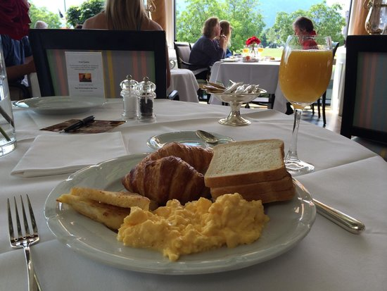 Victoria Jungfrau Grand Hotel & Spa: The breakfast