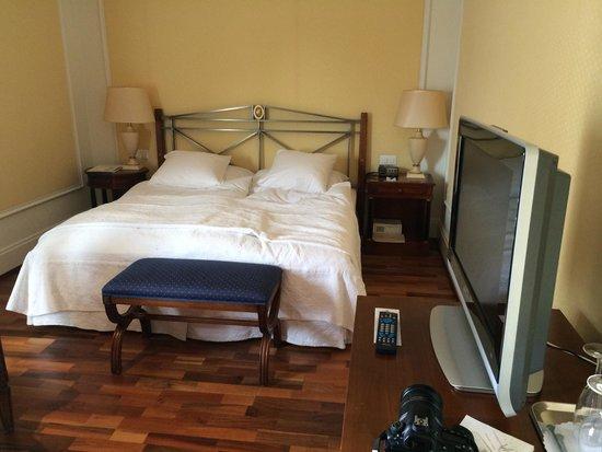 Victoria Jungfrau Grand Hotel & Spa: The room