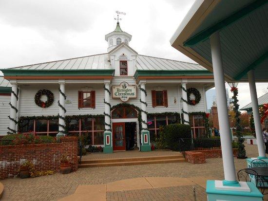 Lynina Inn: Christmas village
