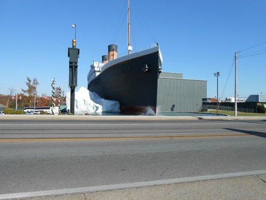 Lynina Inn: Titanic