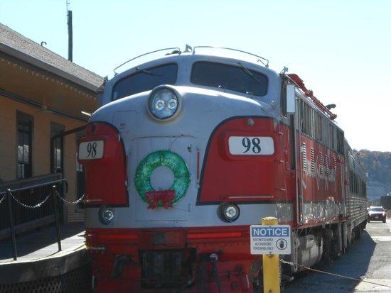 Lynina Inn : Train Express