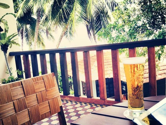 Avillion Port Dickson : a pint and husband equal a happy man