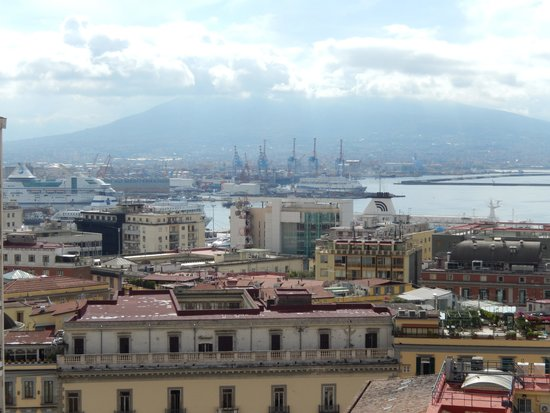 Renaissance Naples Hotel Mediterraneo : Versuvius