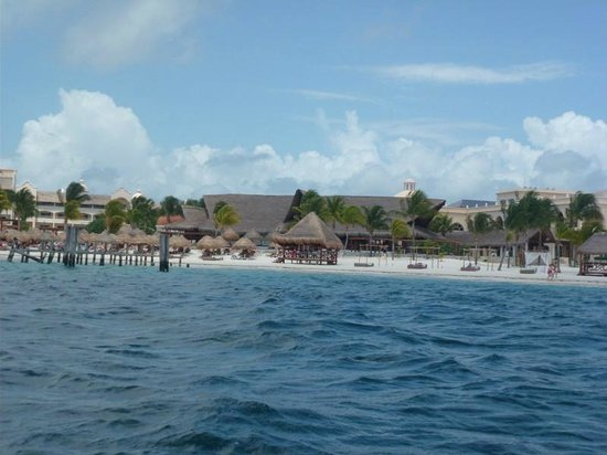 Excellence Riviera Cancun : View of Resort from Water