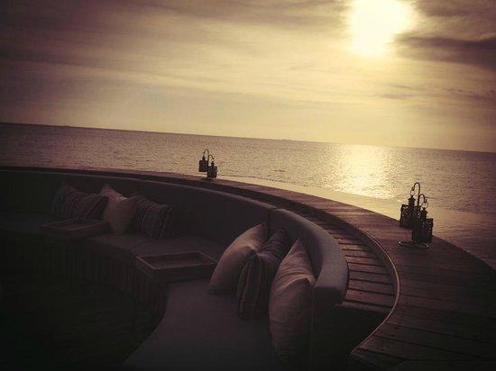 Avillion Port Dickson : AVI lounge outdoor sitting