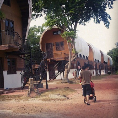 Eagle Ranch Resort: Bandwagon room