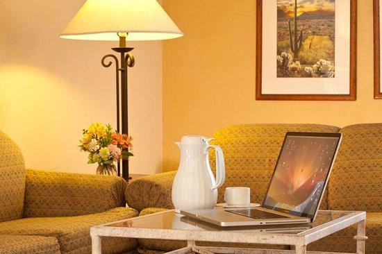 Arizona Riverpark Inn: Rooms