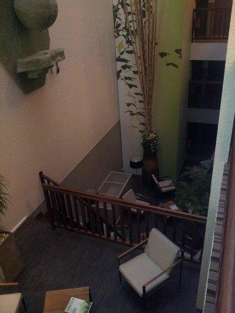 Kyriad Nevers Centre : petit salon détente