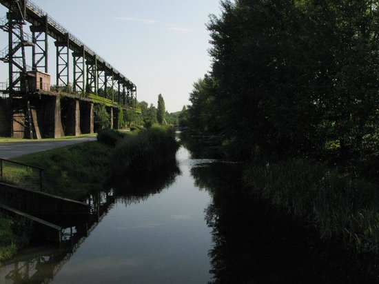 Landschaftspark : Речка
