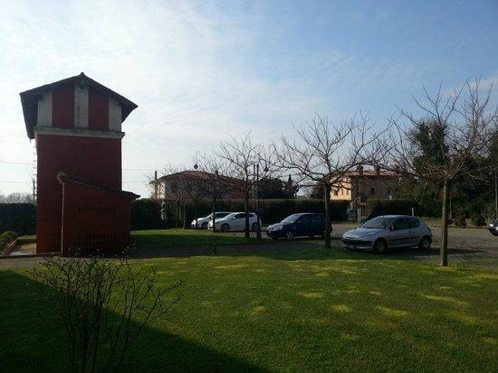 Venice Resort: Parcheggio Hotel