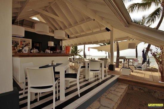 Eze Beach Bar Restaurant: Dietro