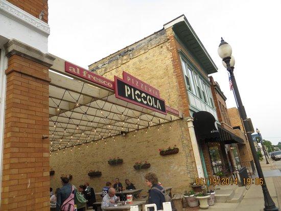 Milwaukee Food & City Tours: Pizza alfresco!