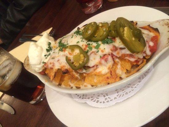 Soosi: nachos + topping