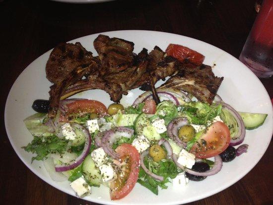 Soosi: Lamb Chops with mixed salad