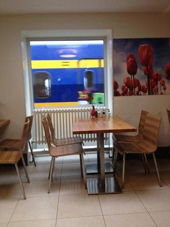 Ibis Amsterdam Centre: sala colazione