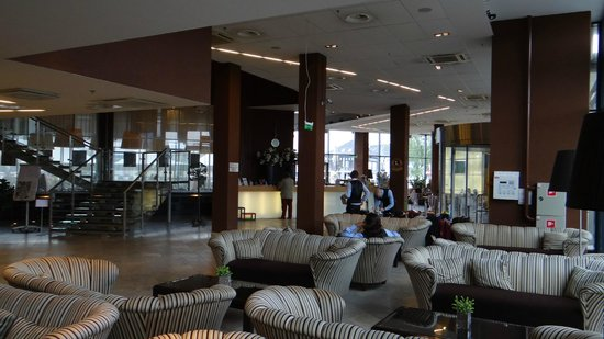 Hotel Euroopa: холл и ресипшен