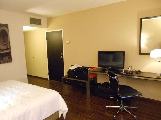 Fiesta Inn Insurgentes Viaduct: Room No: 604