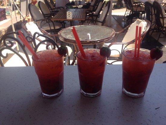 Bitez Han beach bar and resteraunt: Best strawberry caiparoska