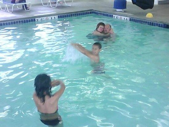 Super 8 Spokane Valley : INDOOR pool!