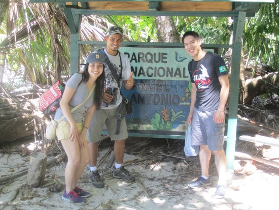 Johan Chaves - Nature and birding Tours: Johan the Sherpa