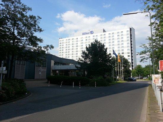 Hilton Duesseldorf: Outside.