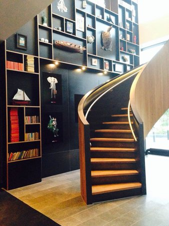citizenM Rotterdam: Basement entry