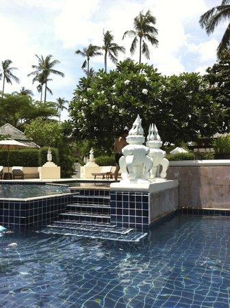 Fair House Villas & Spa: Poolbereich