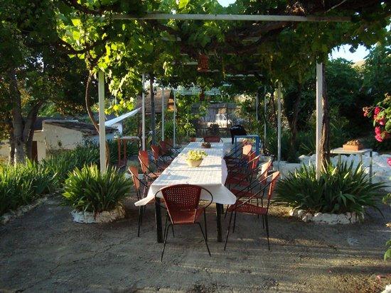 Posada La Nina Margarita: Dinning table