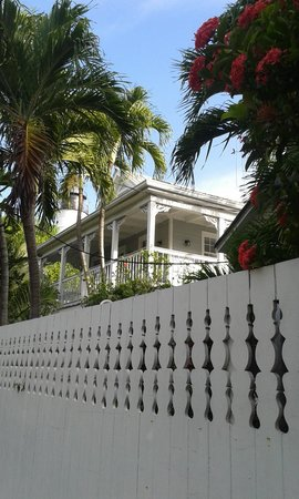 Lighthouse Court Hotel in Key West: visto dall'esterno