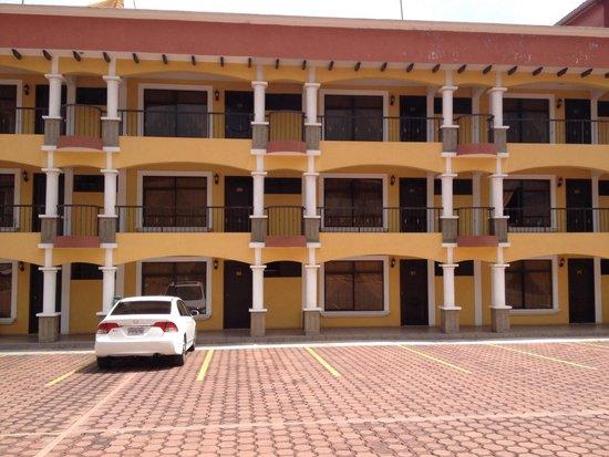 Hotel Portal De Occidente Bonito A Precio Accesible