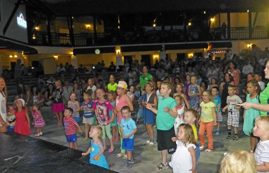 Paloma Grida Resort & Spa: kids mini disco