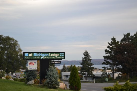 @ Michigan Inn & Lodge : Our Entrance