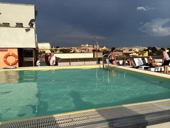 Mercure Rome Colosseum Centre : La piscine