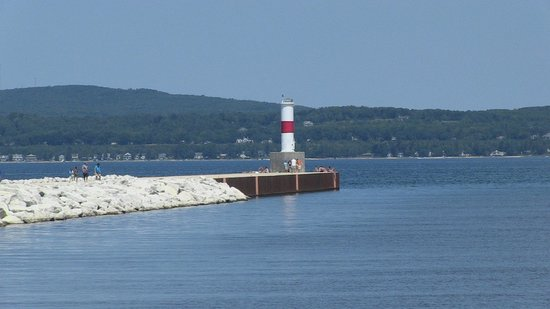 @ Michigan Inn & Lodge: Petoskey Lighthouse