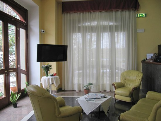 Royal Hotel Montevergine: hall
