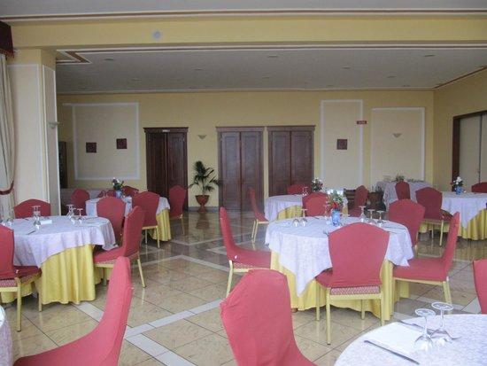 Royal Hotel Montevergine: sala griffata valentino