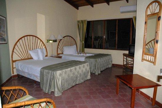 Hotel El Velero: Room 2 beds
