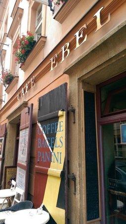 Ebel coffee house: Entrance