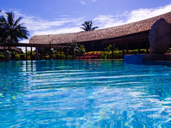 InterContinental Resort & Spa Moorea : Pool with hotel wing in back