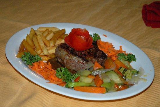 Hotel El Velero: The Presidents steak
