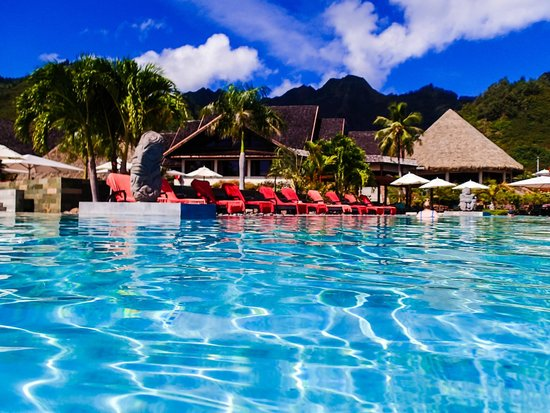 InterContinental Resort & Spa Moorea : Pool with mountain in back