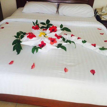 Coral Beach Resort : towel art