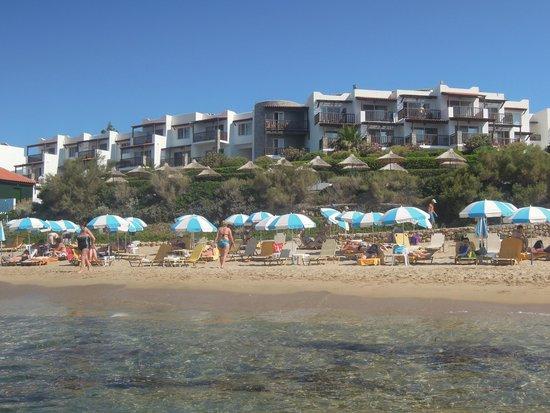 Alexander Beach Hotel & Village : вид на отель с моря